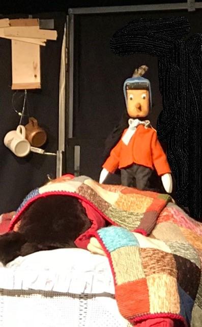 le nez de Pinocchio VERSION SPECIALE NOËL Le Nez de Pinocchio s'habille aux couleurs de Noël et réinvente la tradition de la bûche avec malice !! Spectacle disponible en novembre et décembre pour les Arbres de Noël